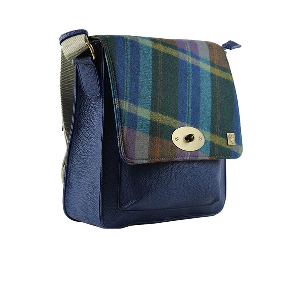 house-of-tweed-messenger-bag-blue-check-3d